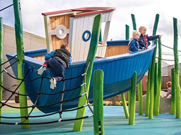 不锈钢滑梯 小船造型爬网组合滑梯