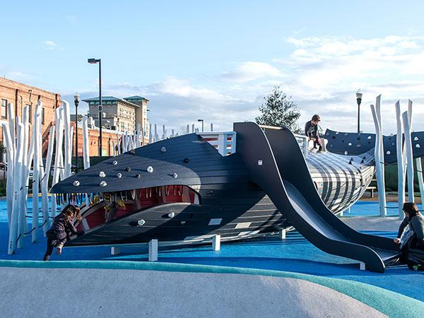 可定制鲸鱼不锈钢滑梯厂家