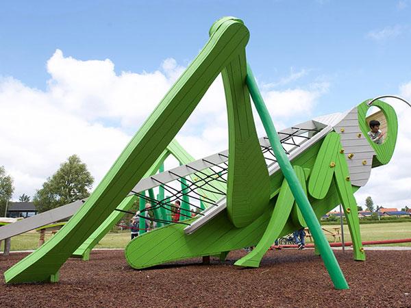 蚂蚱造型不锈钢滑梯厂家 无动力游乐设备公司