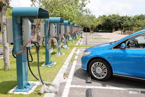一锁一位智能管理新能源充电桩被占用车位问题