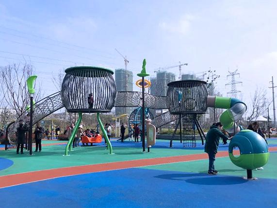 体育公园案例欣赏 - 欢乐岛游乐设备生产厂家