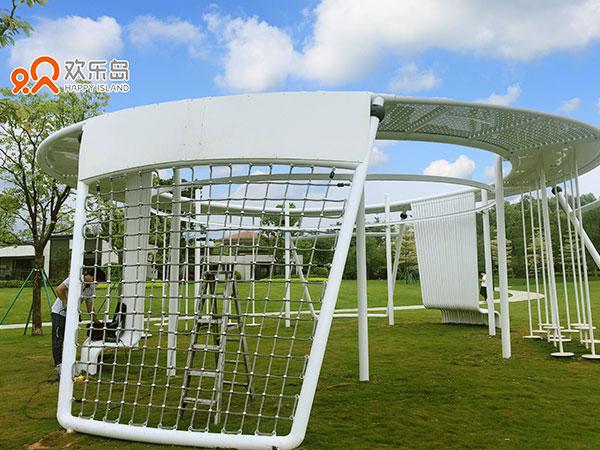 欢乐岛客户清远美林湖无动力游乐设备案例展示